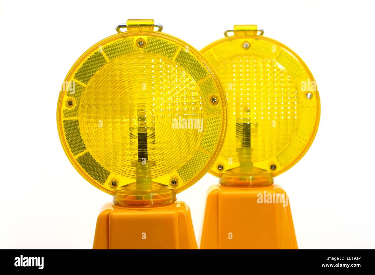 Gelbe Warnlampen, Baustellenabsicherung Foto de stock