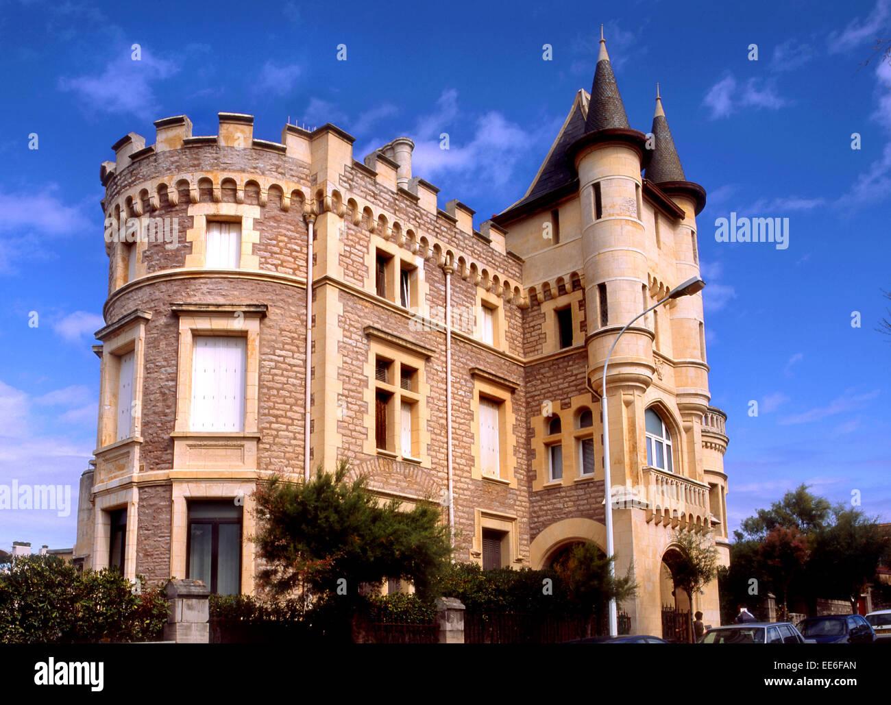 biarritz aquitaine francia ejemplo de la arquitectura ecl ctica de la avenue de l 39 imperatrice. Black Bedroom Furniture Sets. Home Design Ideas