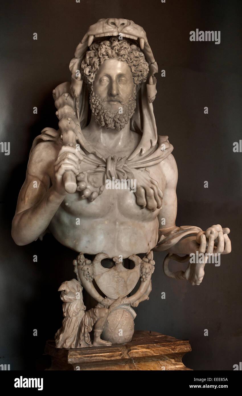 Commodus como Hercules 180 - 193 AD 133 cm de mármol romano Museo Capitolino de Roma Italia italiano ( Dios Imagen De Stock