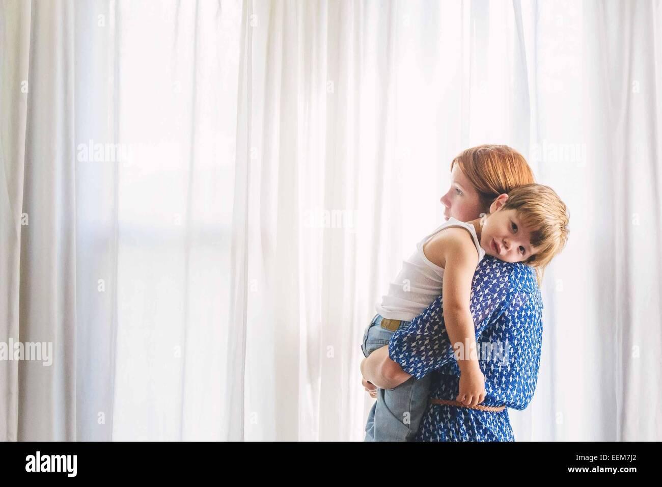 Retrato de una madre con su hijo Imagen De Stock