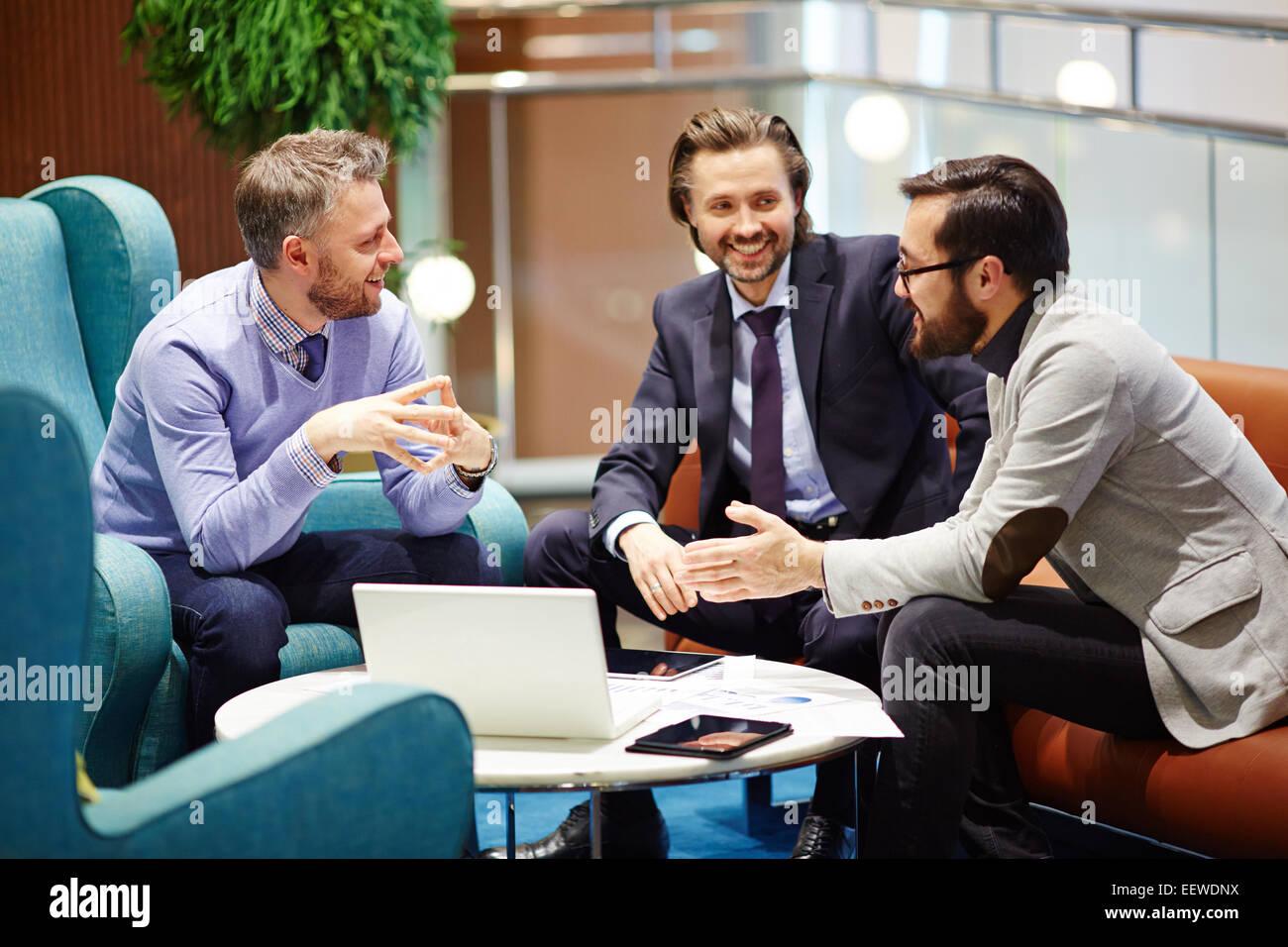 Compañeros de negociación comercial Imagen De Stock