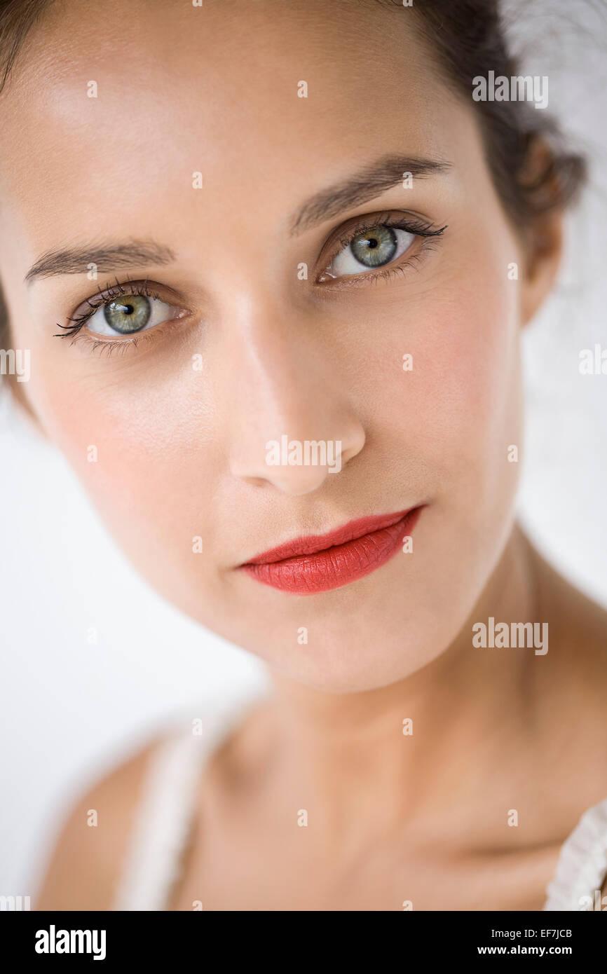 Retrato de una hermosa mujer Foto de stock