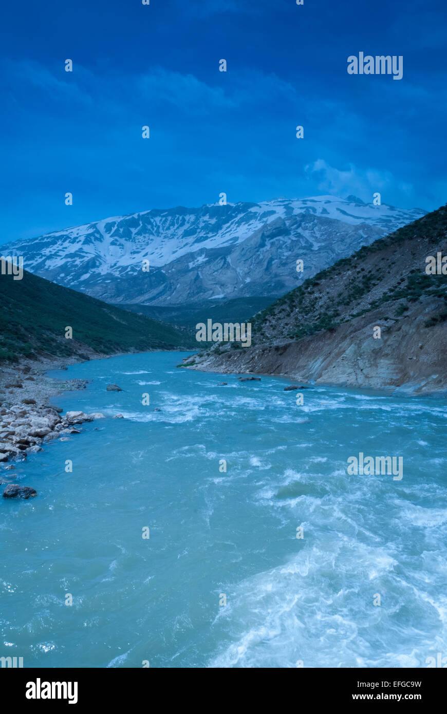 Zard Kuh,Chahármahál va Bajtiyari Provincia, Irán Foto de stock