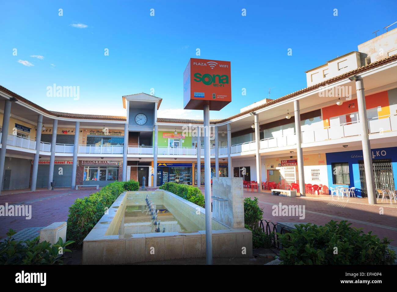 Plaza Vicent Ribes con ciudad signo punto Wi-Fi Imagen De Stock