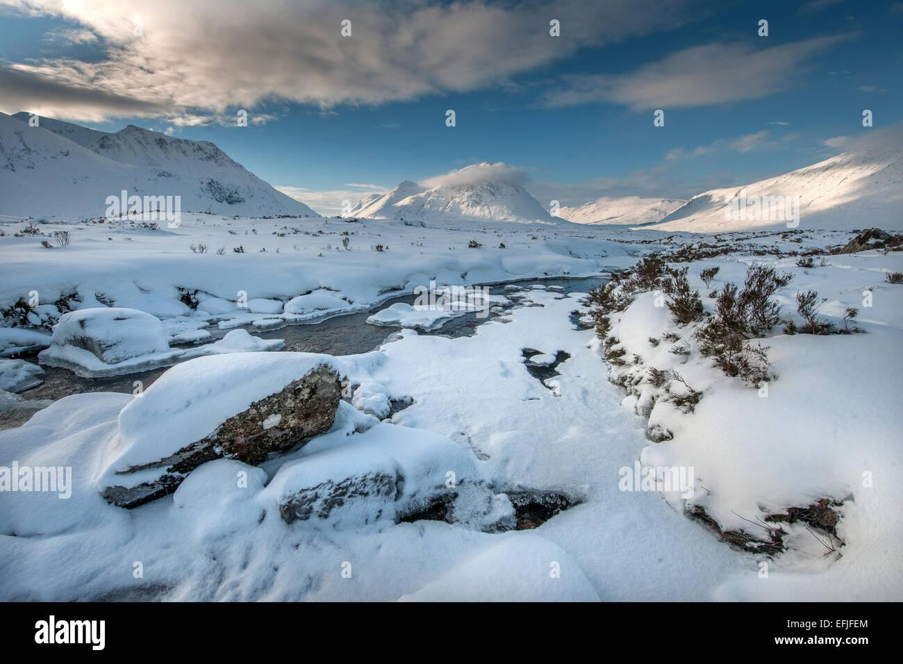 Vista invernal de Buachaille Etive Mhor, Glencoe, West Highlands Foto de stock