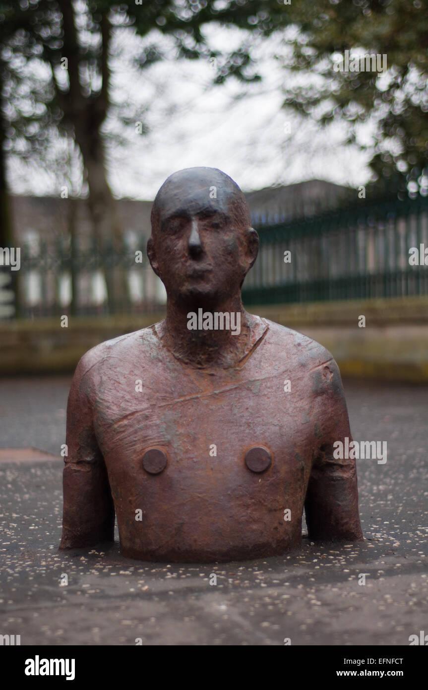 Cuerpo macho de tamaño real hecha de manchar por Antony Gormley Imagen De Stock
