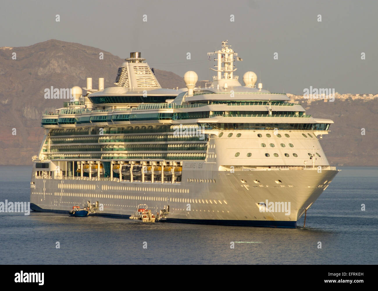 Brilliance Of The Seas Royal Caribbean Imágenes De Stock ... 6a19199d9428