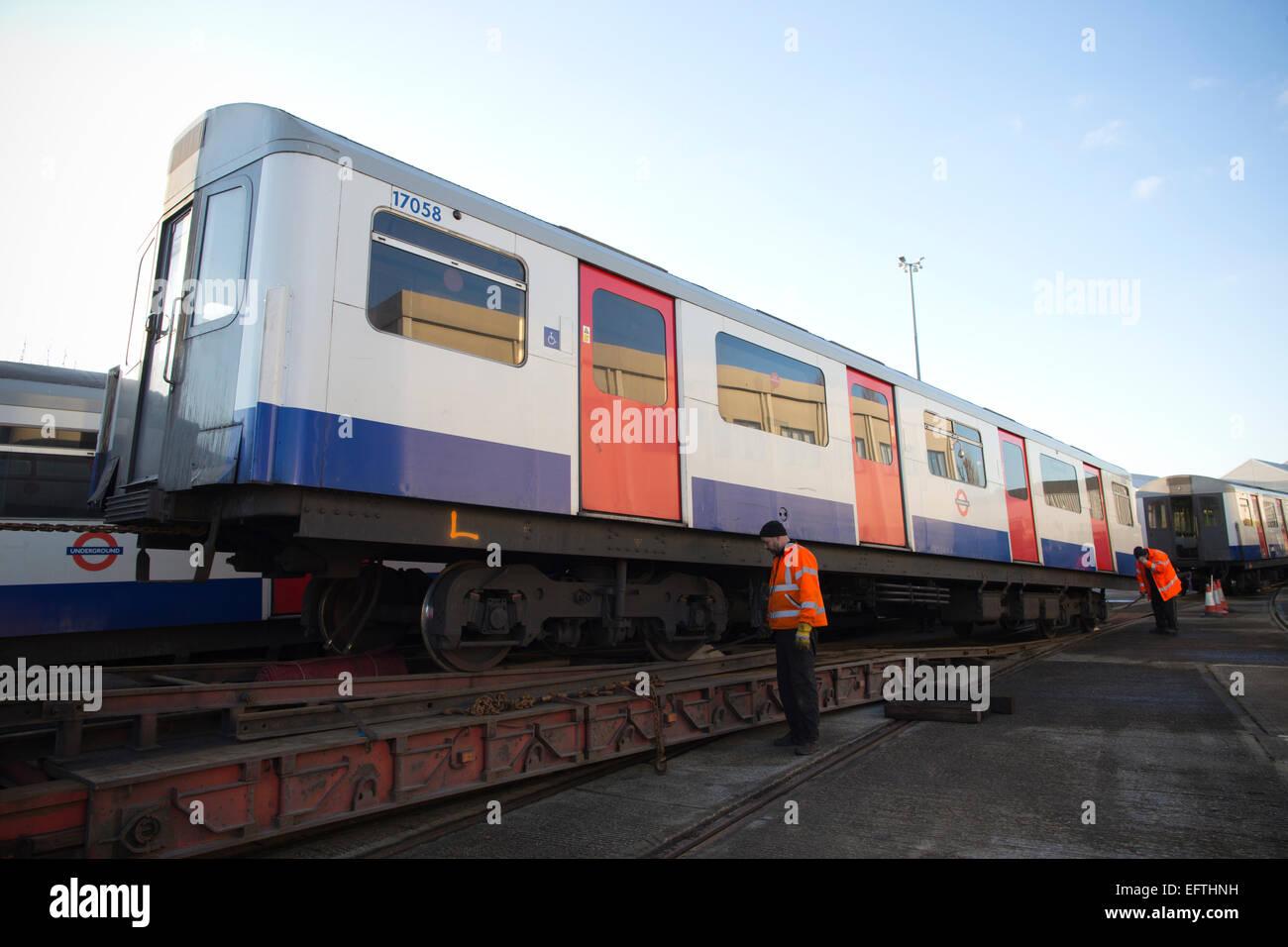 Retirada de 'D' Stock carruajes usados en el metro de Londres, Londres, Inglaterra, Reino Unido. Imagen De Stock