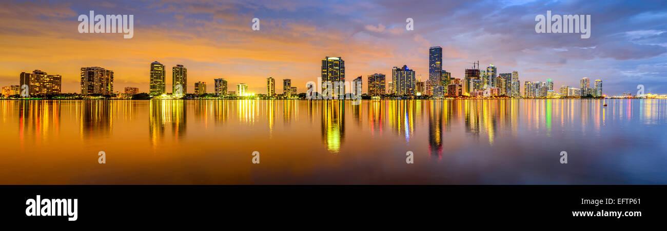 Miami, Florida, EE.UU. panorama del horizonte de la ciudad. Imagen De Stock