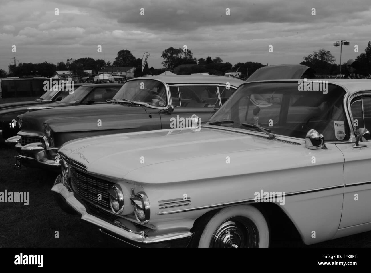 4 Viejos los coches viejos, 4,en blanco y negro, vehículos