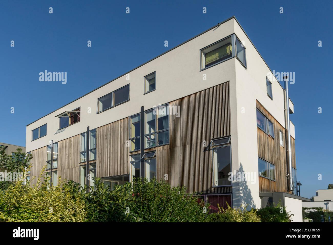 La arquitectura moderna, Inmobiliaria, Rummelsburger Bucht, Berlín, Alemania Imagen De Stock