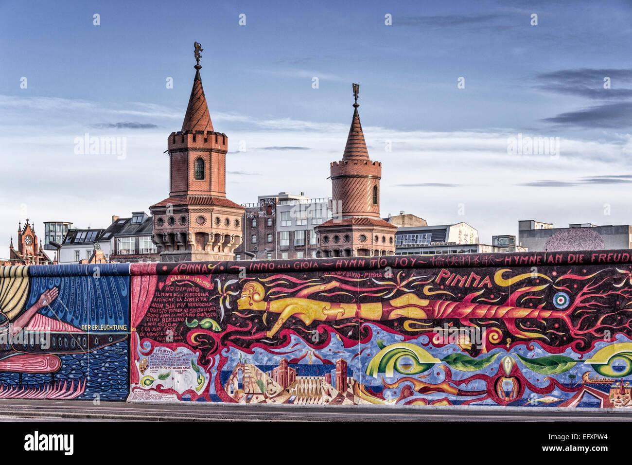 Muro de Berlín . East Side Gallery, Oberbaumbruecke, Berlín, Alemania Imagen De Stock