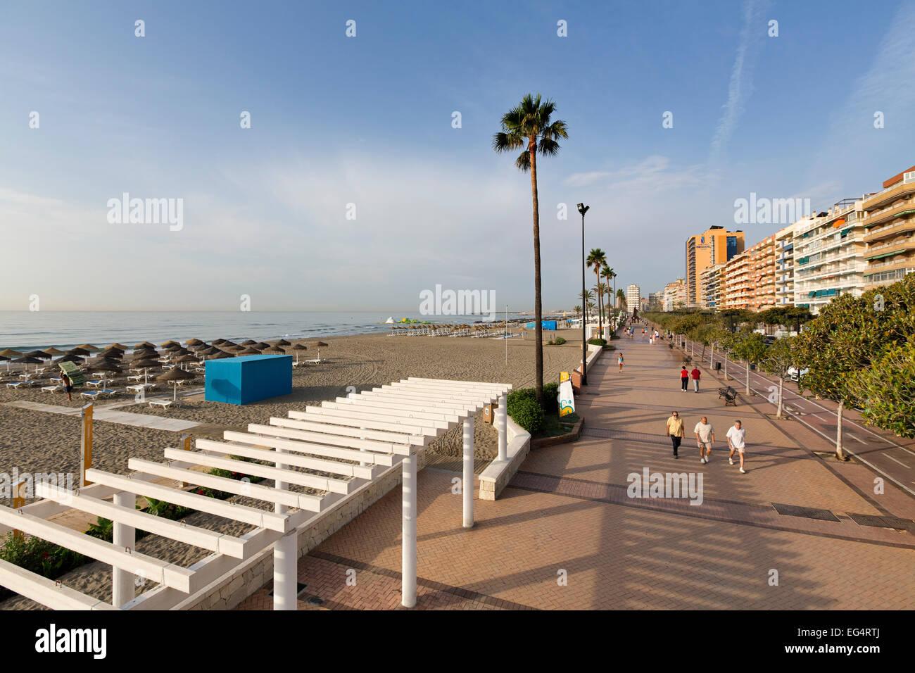 Paseo marítimo de las playas de Fuengirola Málaga Andalucía España Imagen De Stock