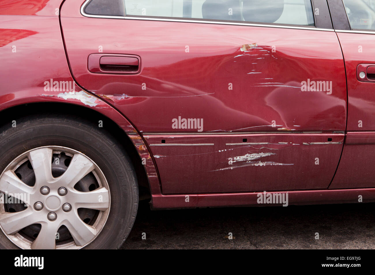 Rayado puerta trasera del sedán - EE.UU. Imagen De Stock