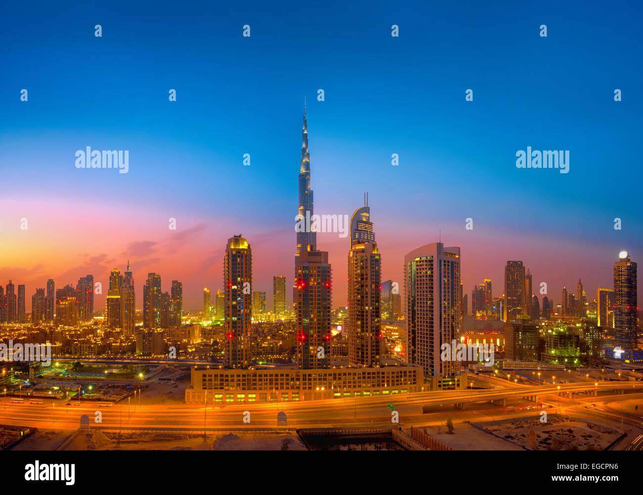Horizonte de Dubai Imagen De Stock