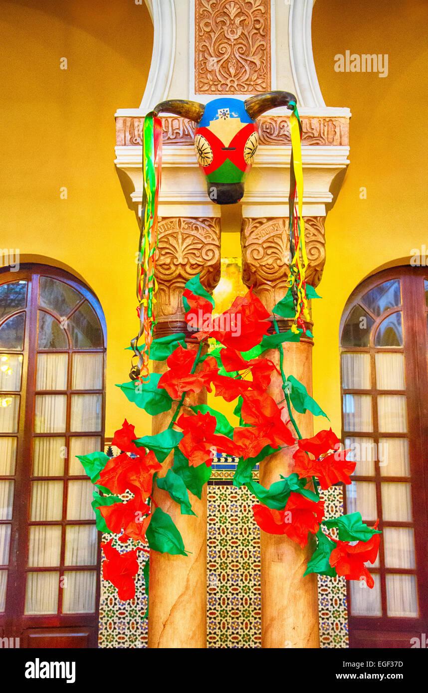 Decoraciones De Carnaval Dentro De Un Hotel Local En