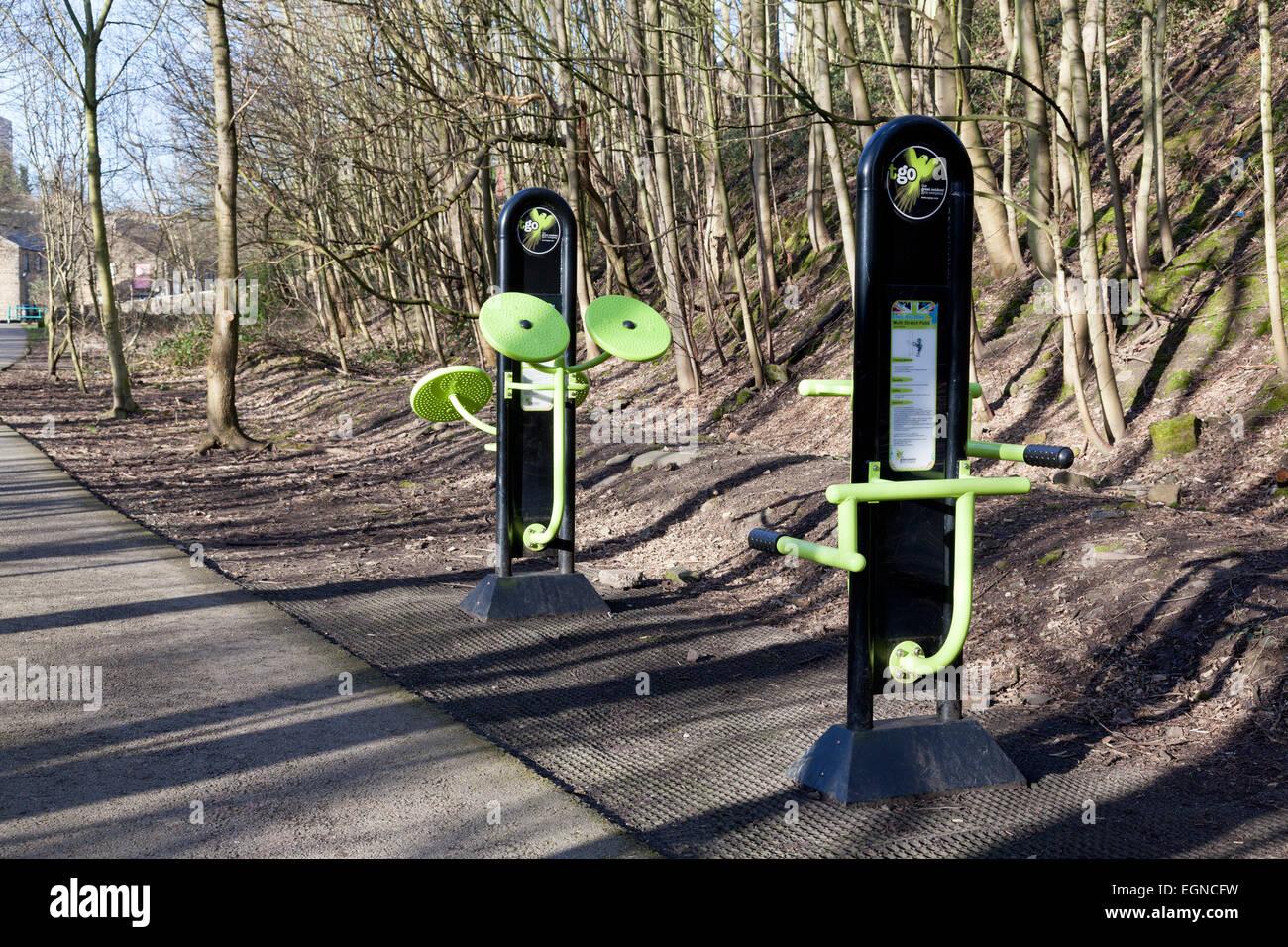 Equipo de ejercicio, junto con el rastro Hebble, Halifax, West Yorkshire Imagen De Stock