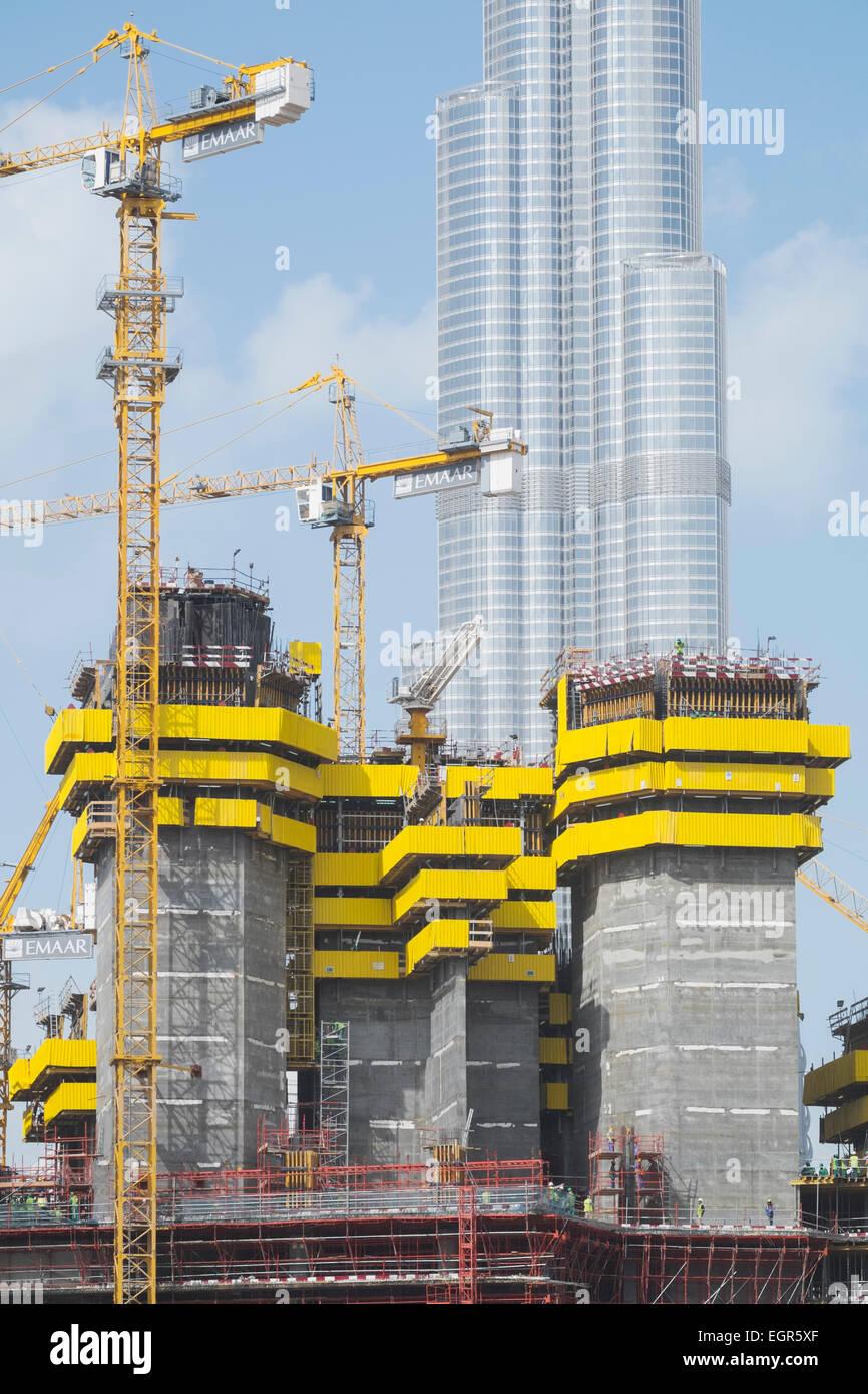 Apartamento de nueva construcción de rascacielos en construcción en ...