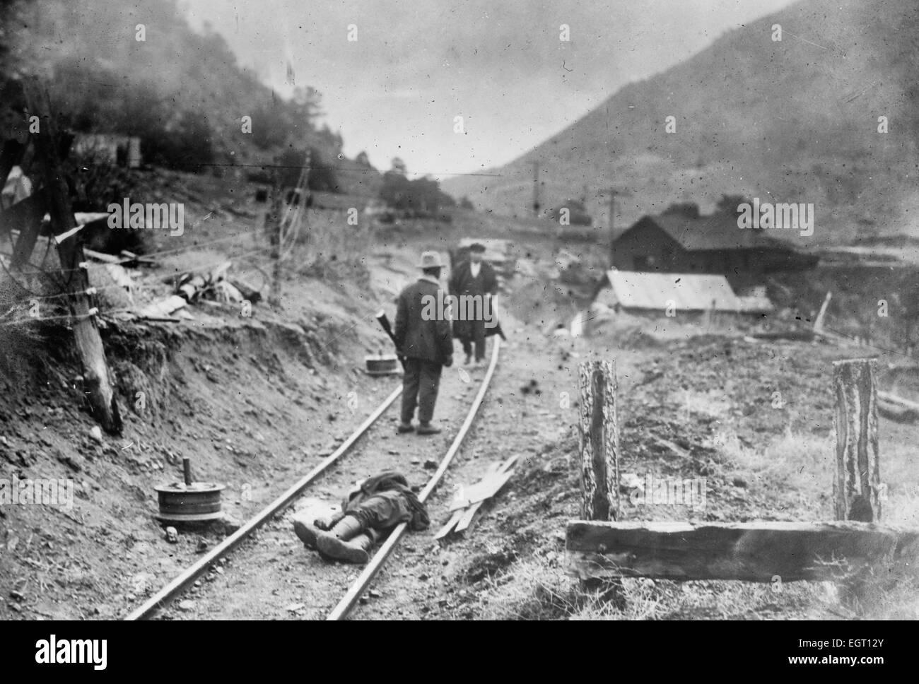 La minera degollado con algunos de sus camaradas - Ludlow masacre, durante la cual un campamento de mineros llamativo Imagen De Stock