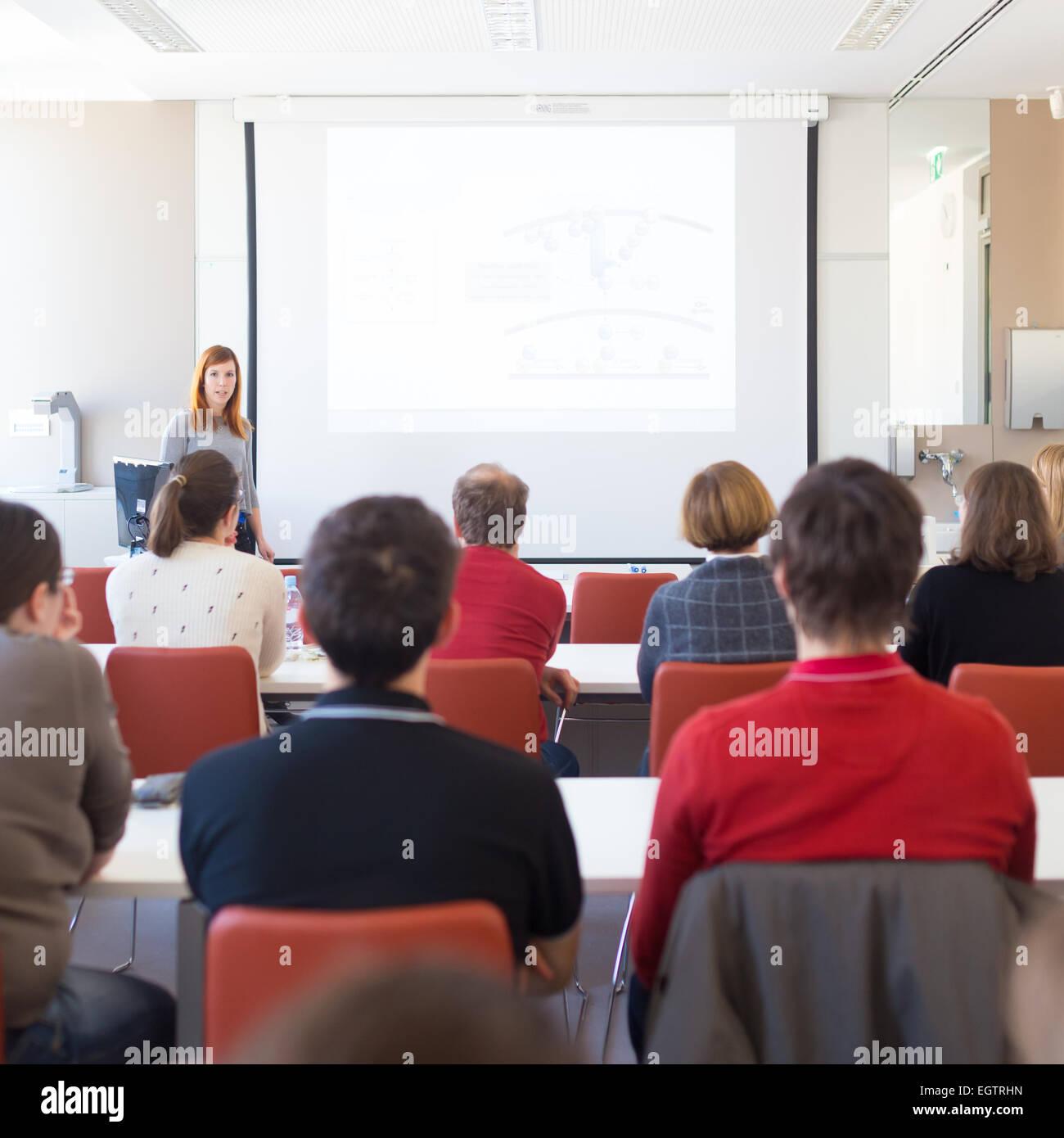 Conferencia pronunciada en la universidad. Imagen De Stock