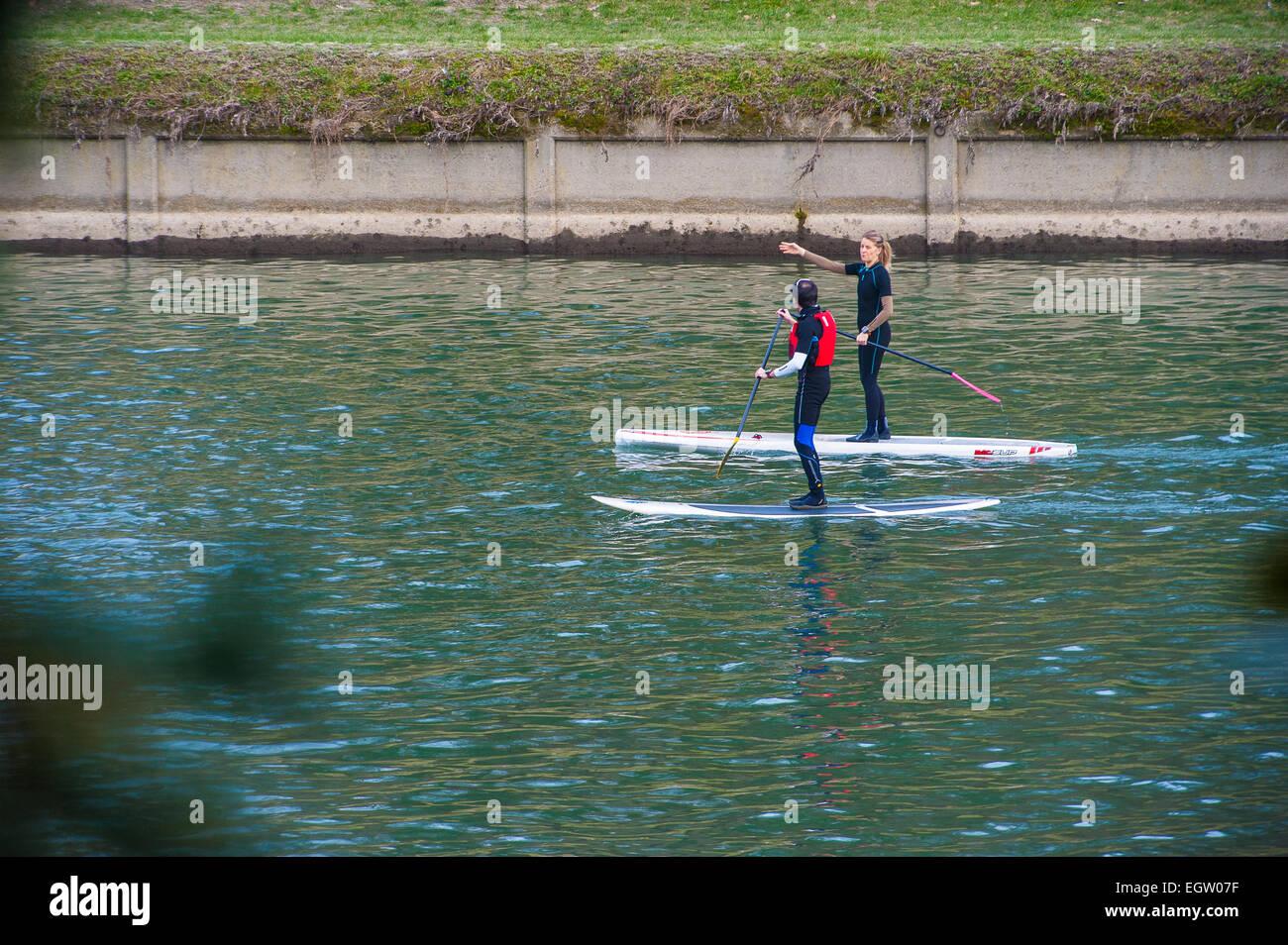 Italia Piamonte parque Valentino de Turín el río Po Sport Imagen De Stock