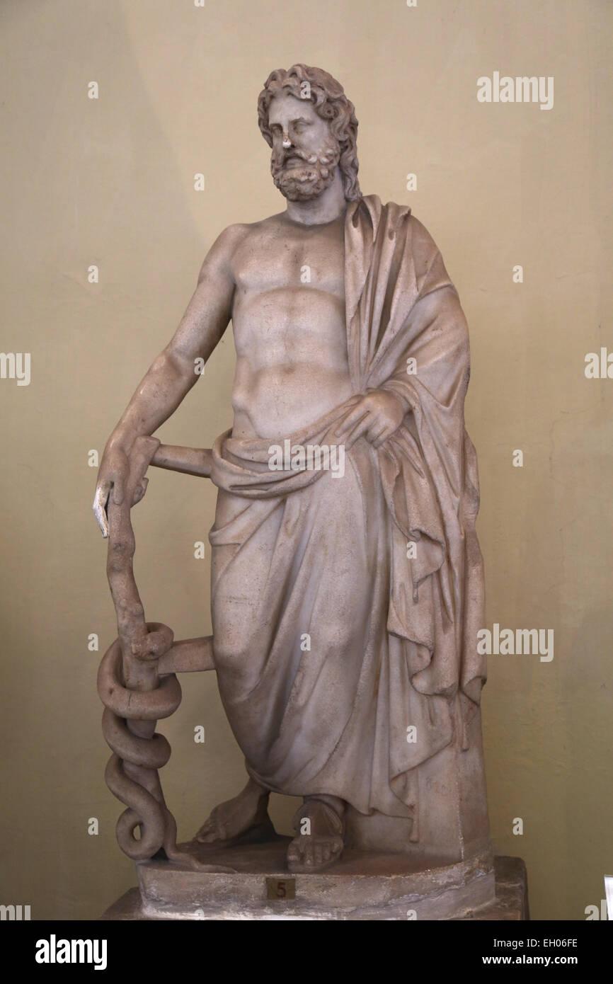 El arte romano. Estatua Asklepios, el dios de la medicina. De Ostia. Copia romana, siglo 3 AD. Museo del Vaticano. Imagen De Stock