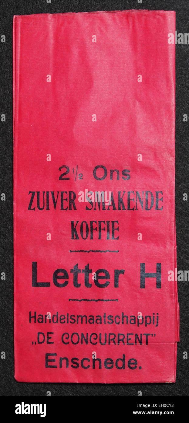 Letra H 2,5 ons koffie zakje van Handelsmaatschappij De concurrentes, Enschede, voorkant Foto de stock