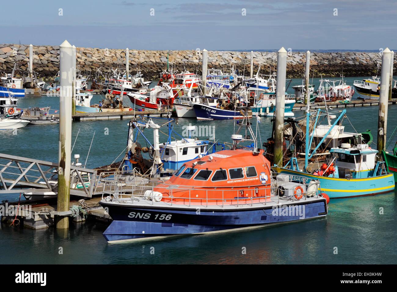 Saint-Quay-portrieux puerto pesquero,SNS salvavidas,Cotes d'Armor, Bretaña, Bretaña, Francia Imagen De Stock