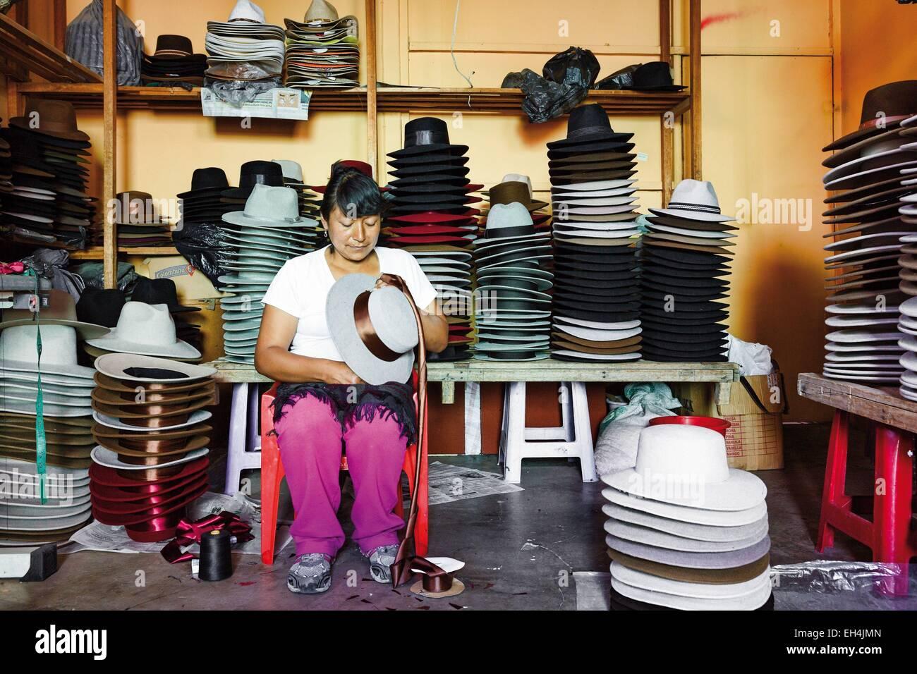 Sombreros De Fieltro Imágenes De Stock   Sombreros De Fieltro Fotos ... cec4fa28bde