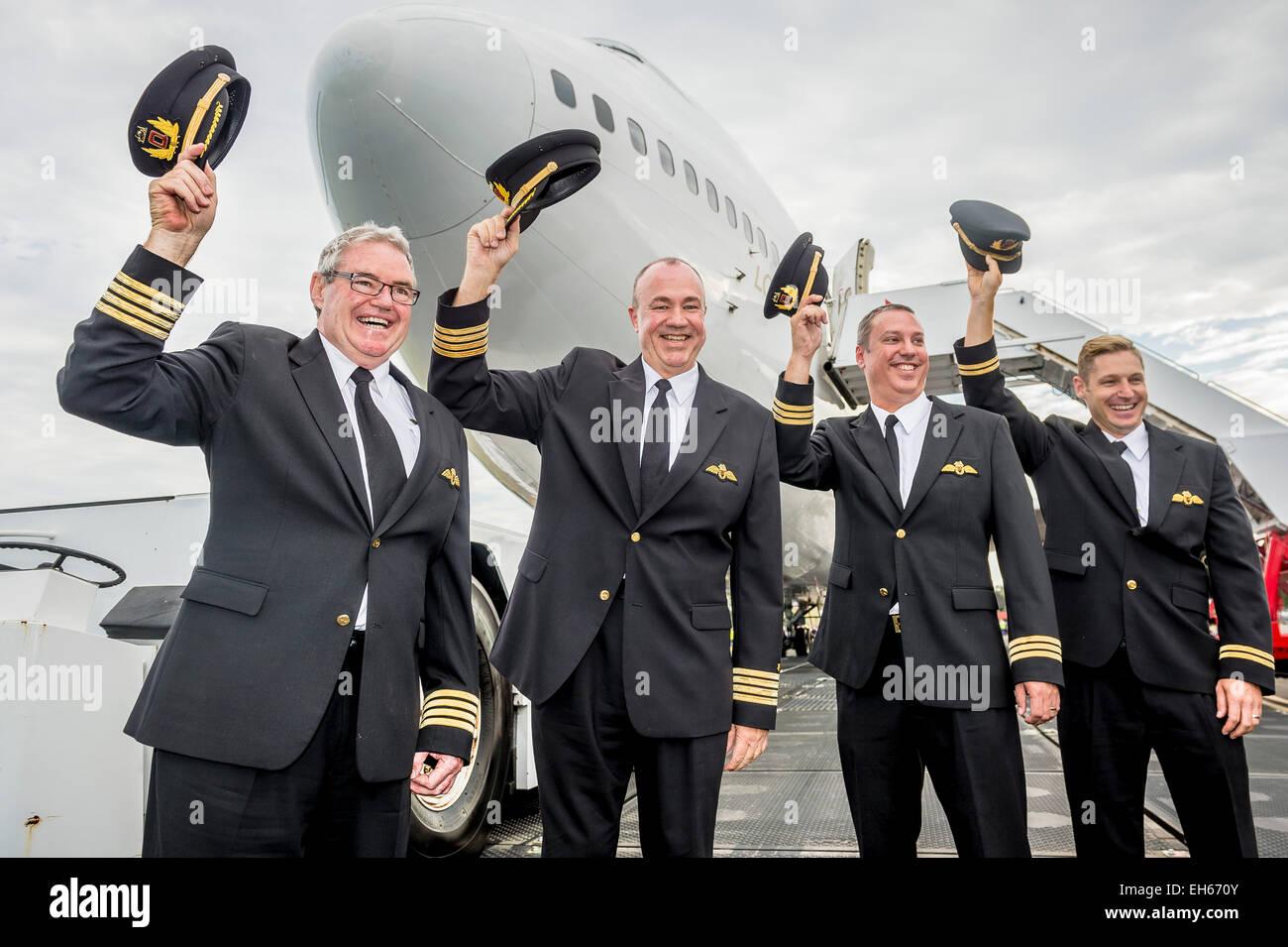 Sydney, Australia. 8 de marzo de 2015. Qantas retiró su primer Boeing 747-400, VH-OJA, que voló un registro Imagen De Stock