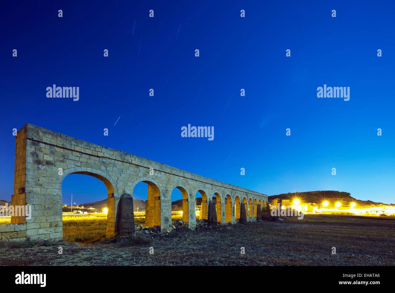 La Europa del Mediterráneo, Malta, Gozo, Isla Victoria (Rabat), Acueducto Imagen De Stock