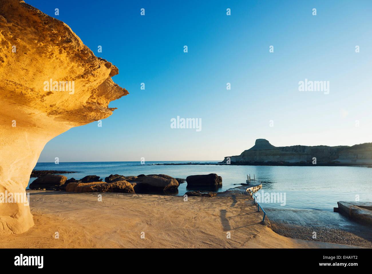La Europa del Mediterráneo, Malta, Gozo, Isla Xwejni Bay Imagen De Stock