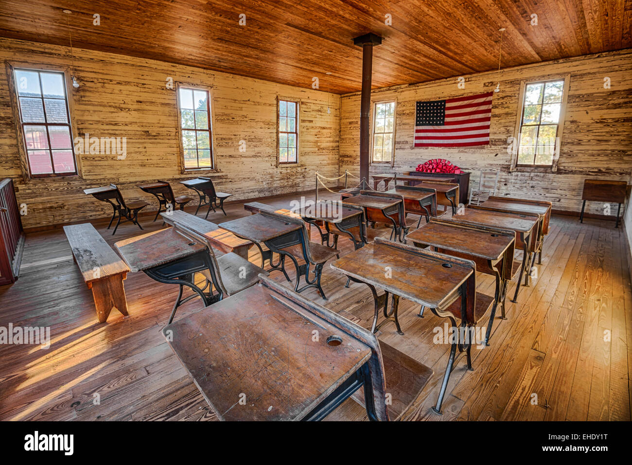 Interior de la histórica escuela de una sola habitación en el Parque Histórico de Dothan, Alabama Foto de stock