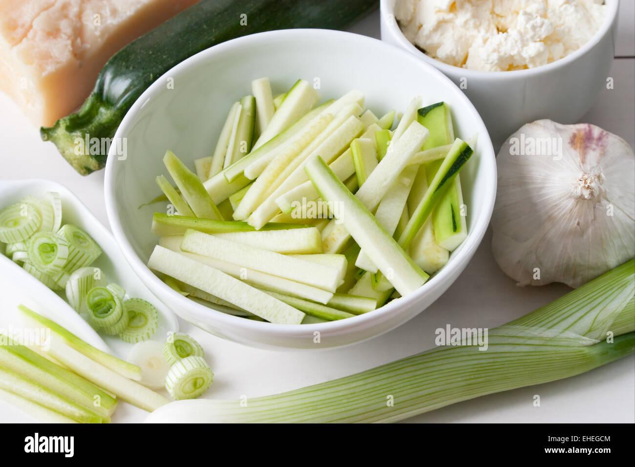Ingredientes para una salsa de calabacín Imagen De Stock