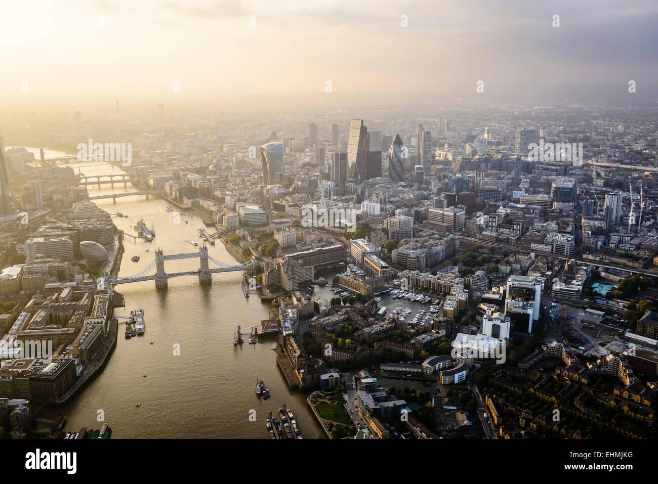 Vista aérea de la ciudad de Londres y el río, Inglaterra Imagen De Stock