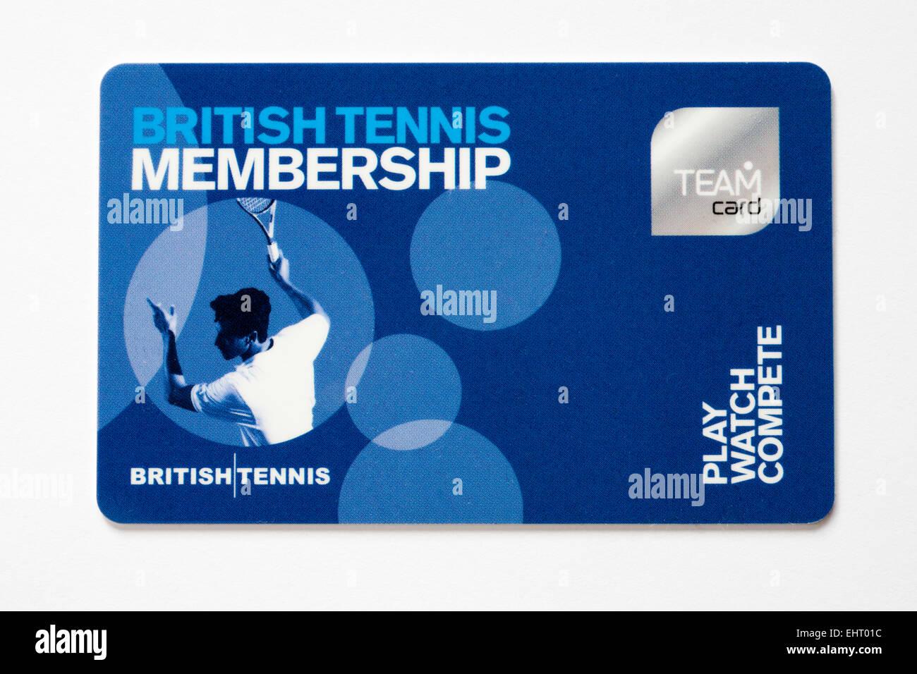 La pertenencia de tenis británico team tarjeta de plástico aislado sobre fondo blanco. Imagen De Stock