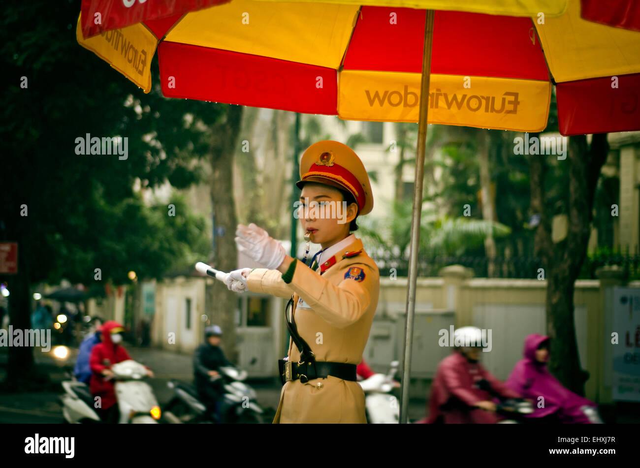 Mujer Policía, Hanoi, Vietnam Imagen De Stock