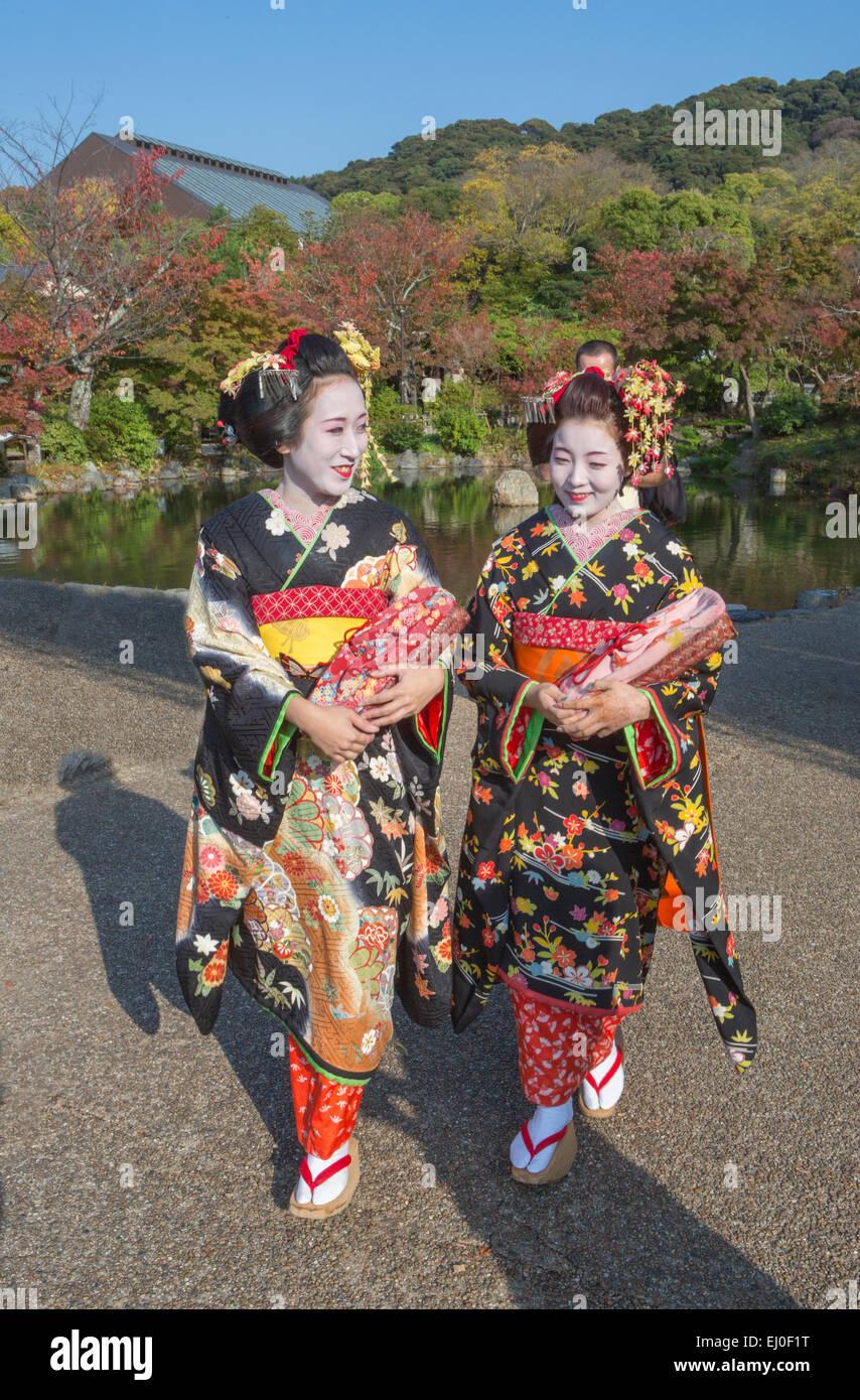 Japón, Asia, Kyoto, exterior, coloridos trajes, las geishas, ningún modelo de liberación, niñas, Imagen De Stock