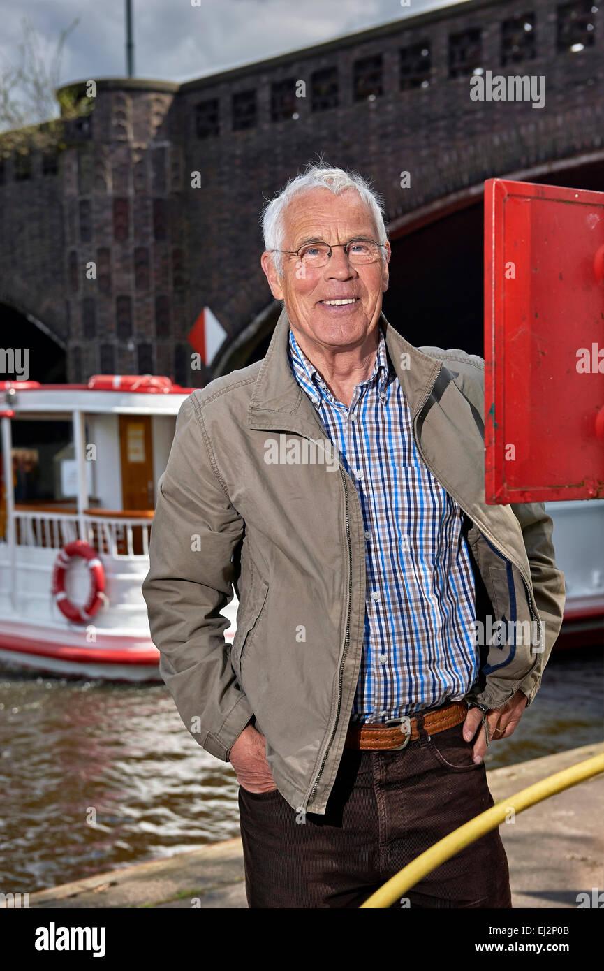 Senior es ir en un viaje en barco Imagen De Stock
