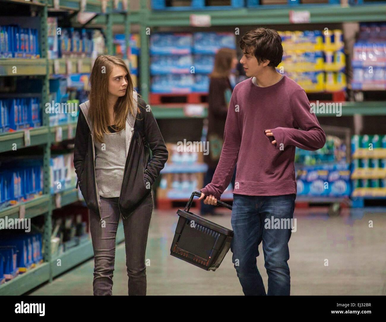 Las ciudades de papel 2015 20th Century Fox Film con Cara Delevigne y Nat Wolff Imagen De Stock