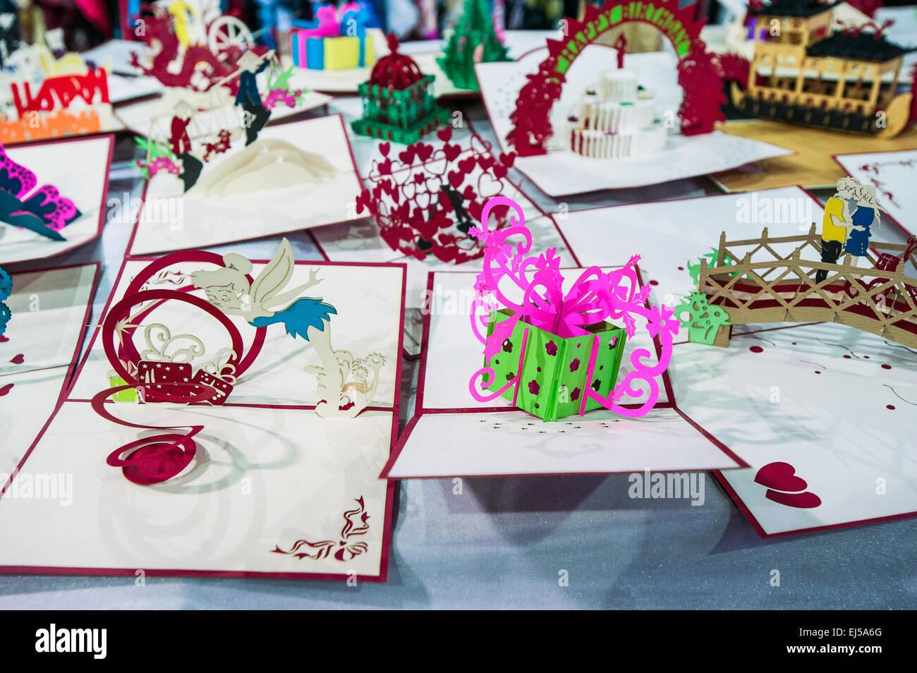 Turín, Italia. 20 de marzo de 2015. Feria de Lingotto 'Festival dell'Oriente' desde el 20 hasta el 22 de marzo de 2015 y del 27 al 30 de marzo de 2015 - 20 de marzo de 2015 - La artesanía vietnamita. Crédito: Realmente fácil Star/Alamy Live News Foto de stock