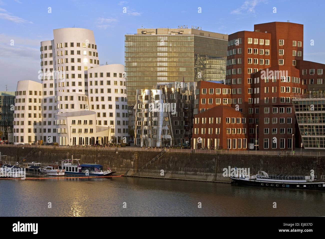 Edificios de Gehry, Duesseldorf, Alemania Imagen De Stock