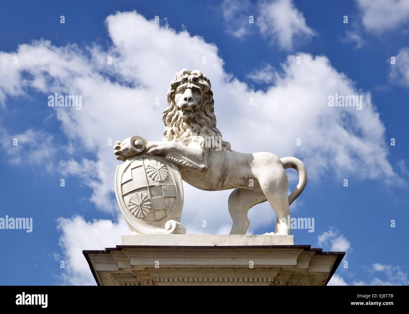 Escultura de León, Palacio Nordkirchen, Alemania Foto de stock