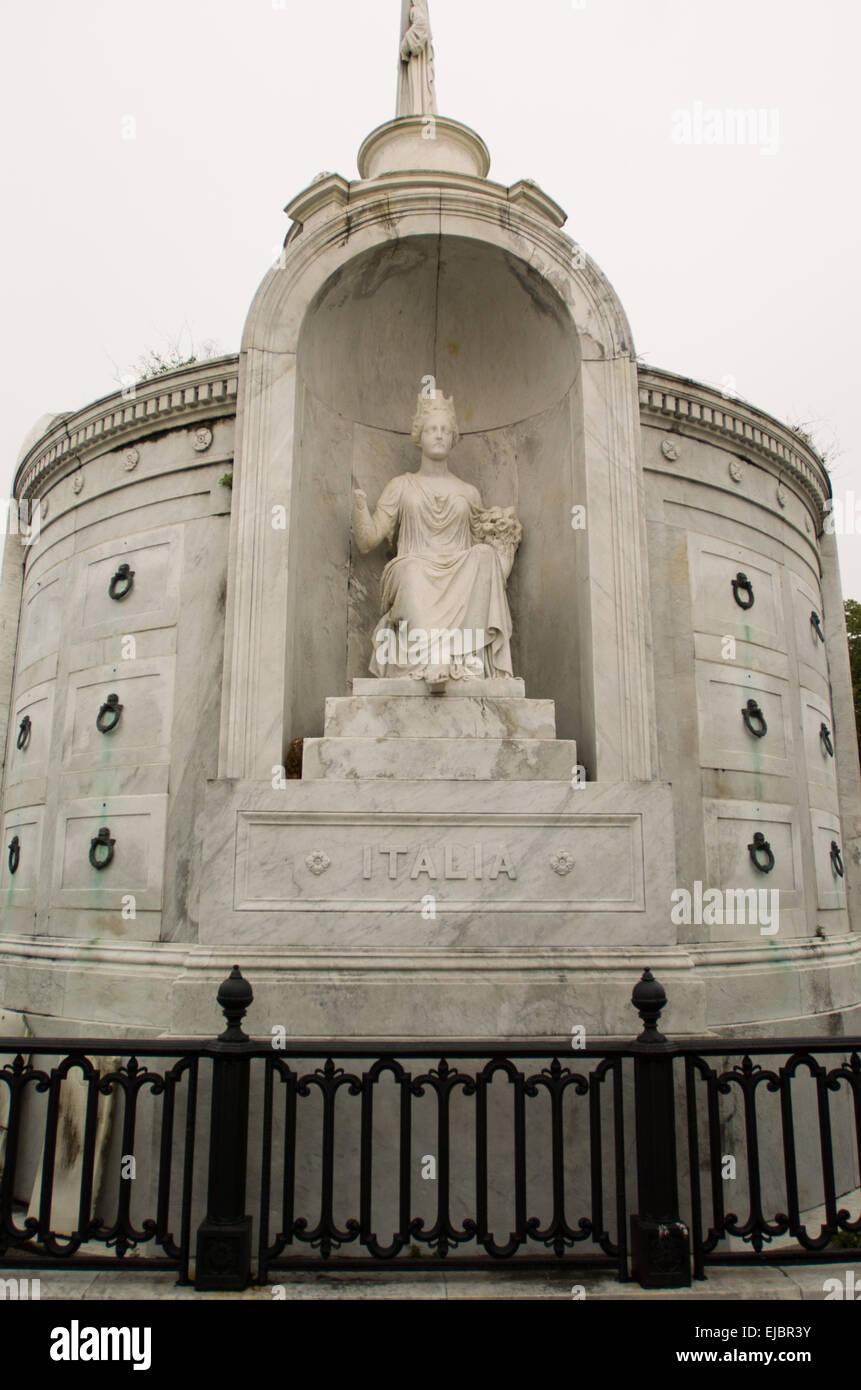 Saint Louis número 1 del cementerio católico de Nueva Orleans Easy Rider estatua cementerio Voodoo Imagen De Stock