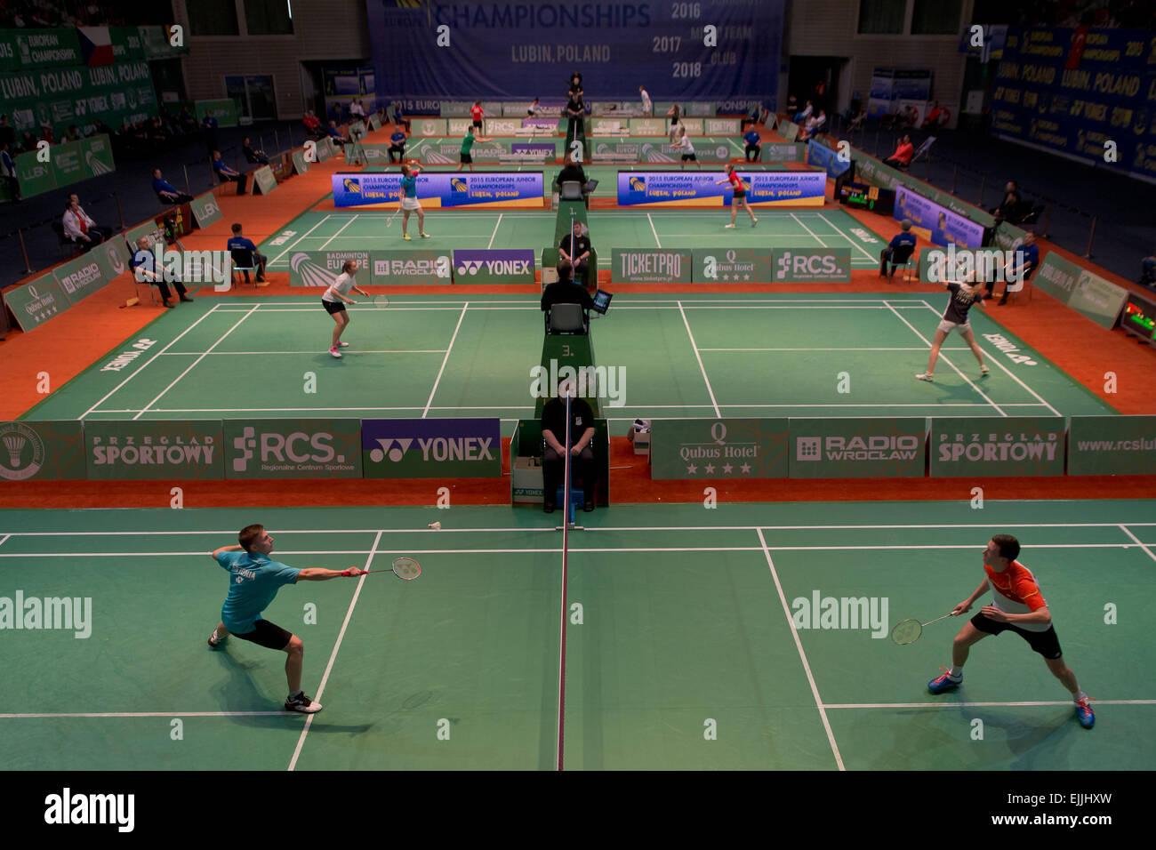 Lubin, Polonia. 27 Mar, 2015. Torneo de Equipos en badminton durante el Campeonato Junior Europeo 2015. Crédito: Imagen De Stock