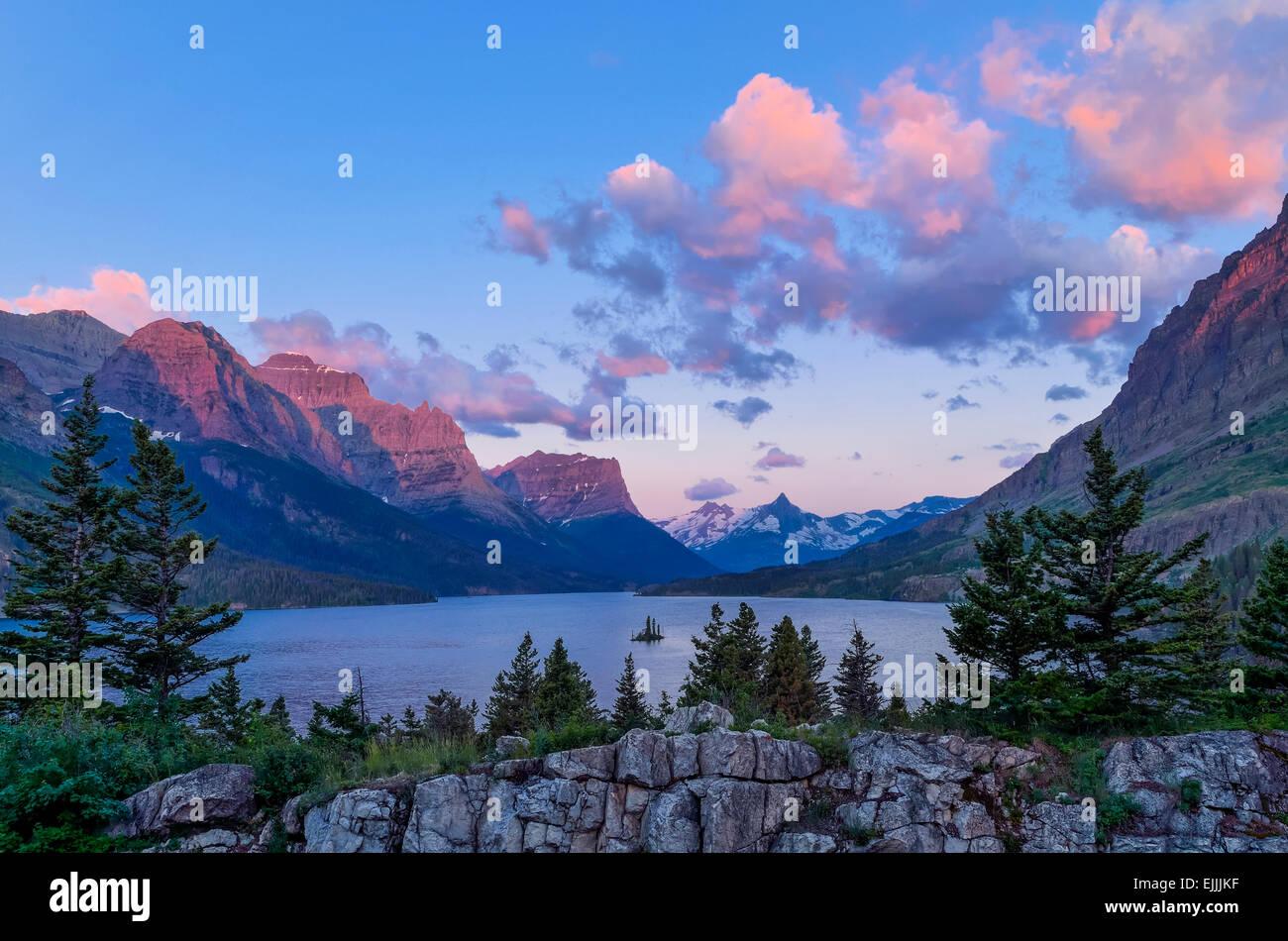 Santa María del Lago, el parque nacional de Glacier, Montana, EE.UU. Imagen De Stock