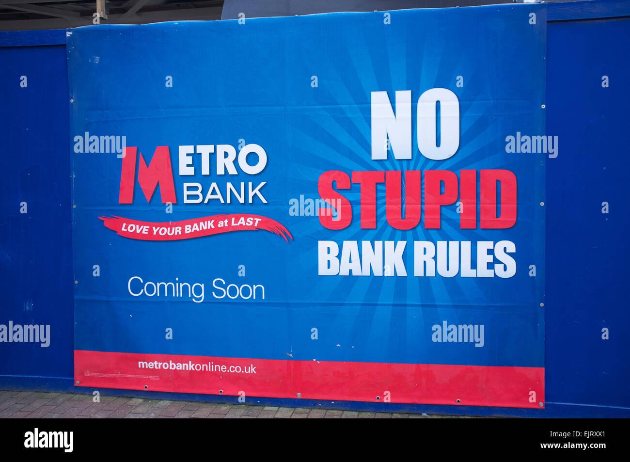 Nuevo Metro apertura de banco en Tunbridge Wells. No estúpido las normas del banco Imagen De Stock