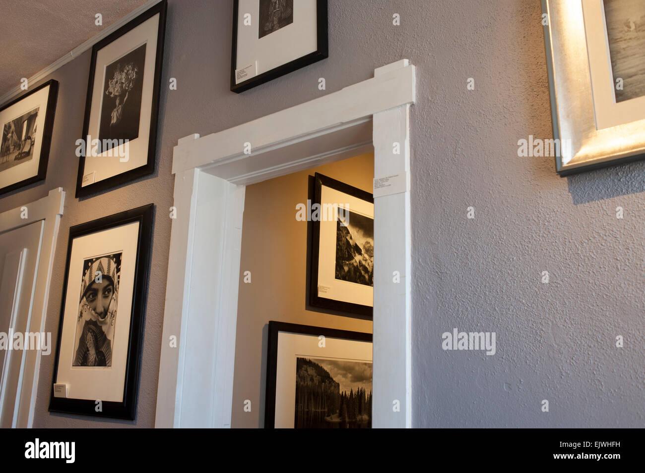 Estados Unidos New Mexico NM Santa Fe interior del Andrew Smith galería de arte fotografía clásicos para la venta Foto de stock