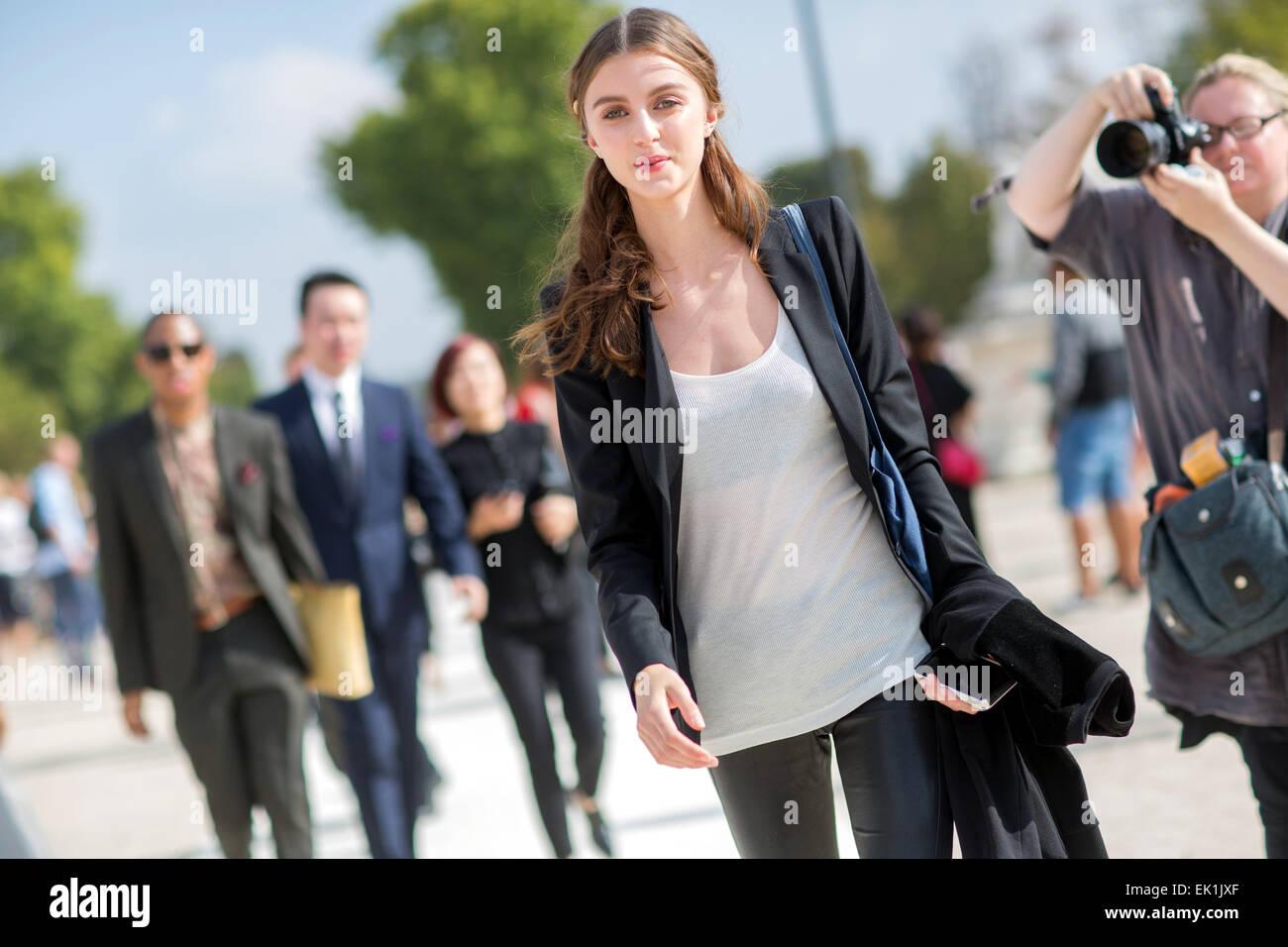 Semana de la moda de París - Primavera/Verano 2015 - Streetstyle Featuring: Modelo donde: París, Francia cuando: Foto de stock