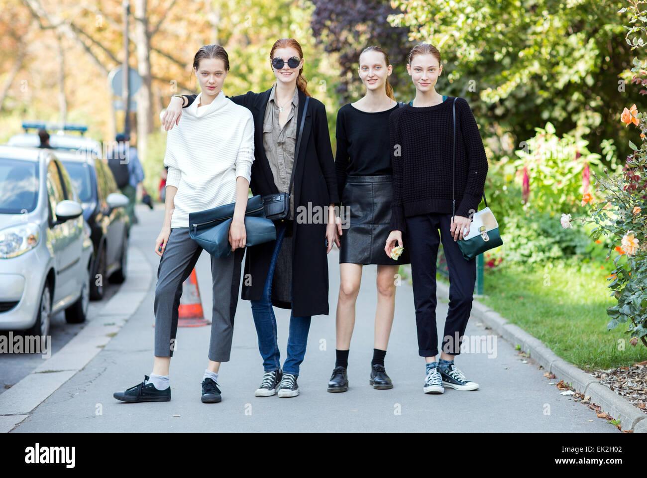 Semana de la moda de París - Primavera/Verano 2015 - Streetstyle Featuring: Los modelos donde: París, Francia cuando: Foto de stock